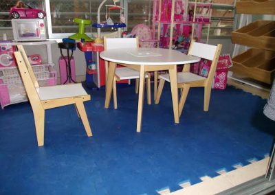 Mesa paleta y sillitas escandi