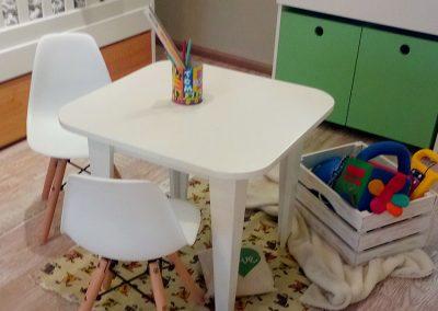 Mesa con sillas 2